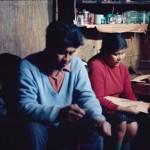 José Tonko et Gabriela Paterito : artisanat des bateaux d'écorce