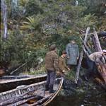 Recherche du bois : le carabinier Alvarez et deux chilotes
